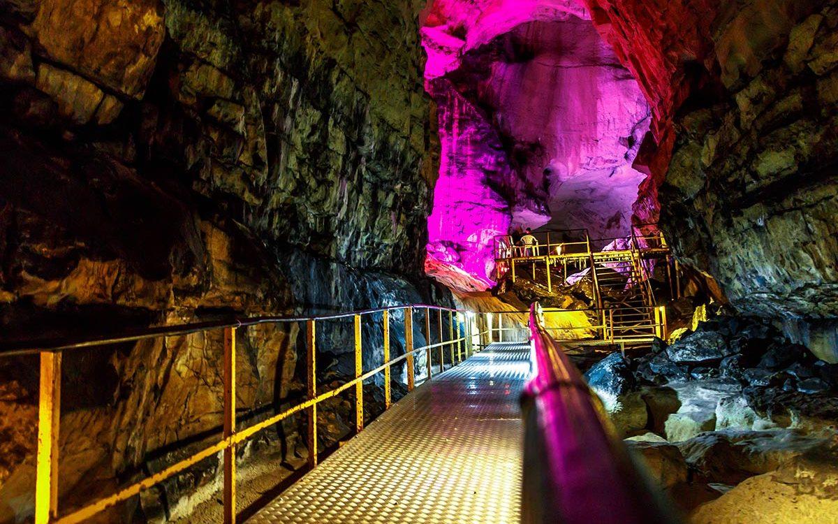 Muslim holidays - Cave Tour